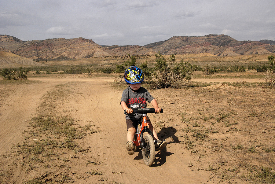 Cruising down the little dips and bumps around Fruita